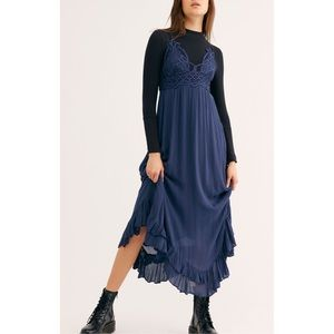 Free People NWT 🦋 Adella Maxi Dress Navy FINAL💲